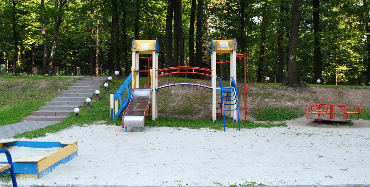 спортивна площадка